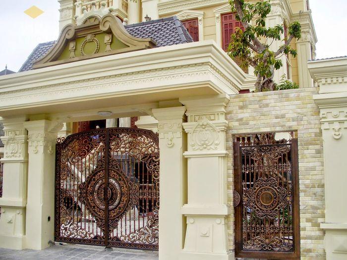 Hướng, kích thước cổng nhà theo tuổi