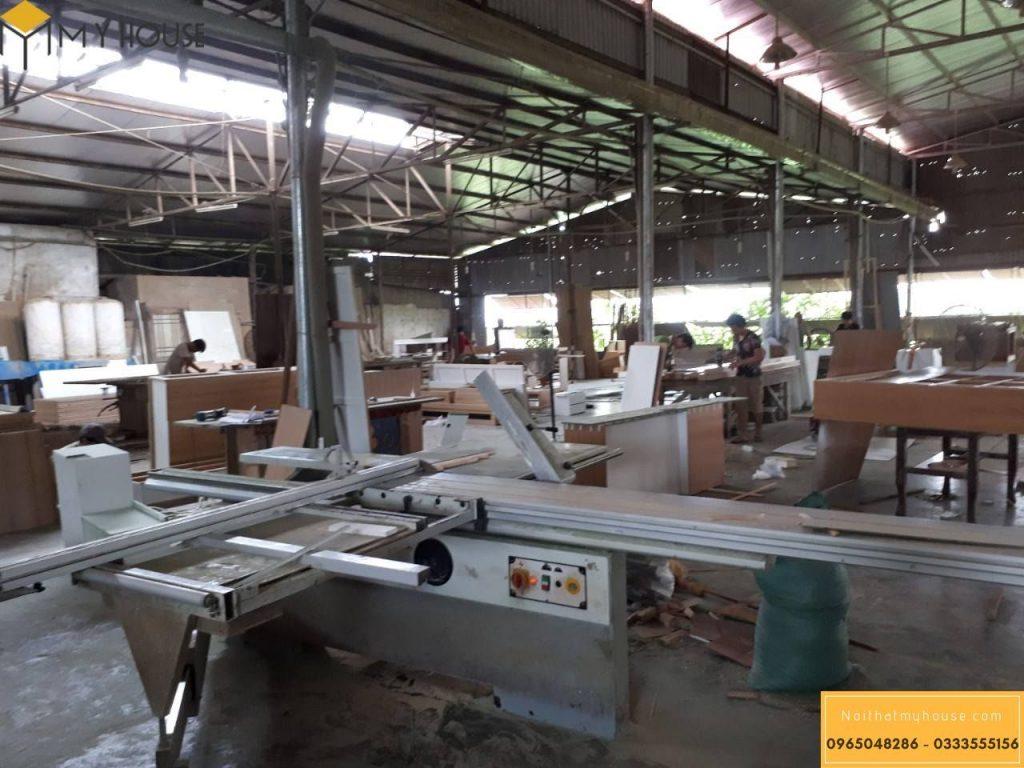 Xưởng sản xuất nội thất trực tiếp với hệ thống máy móc công nghệ cao