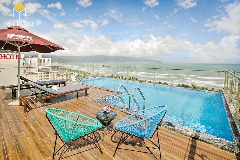 Bể bơi tiện nghi với view cực đẹp