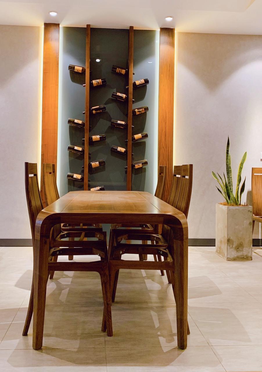 Hình ảnh thực tế các mẫu bàn ăn tại Showroom