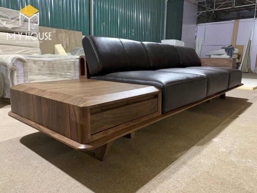 Hình ảnh sofa gỗ óc chó tại nhà máy sản xuất nội thất My House - View 1