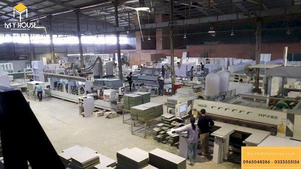 Toàn cảnh không gian xưởng với trang thiết bị máy móc hiện đại