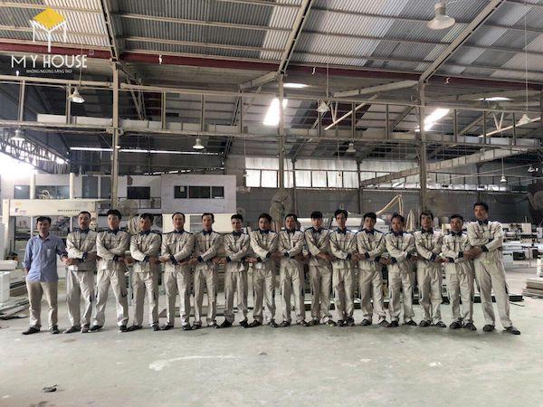 Cán bộ công nhân viên tại xưởng Láng Hòa Lạc