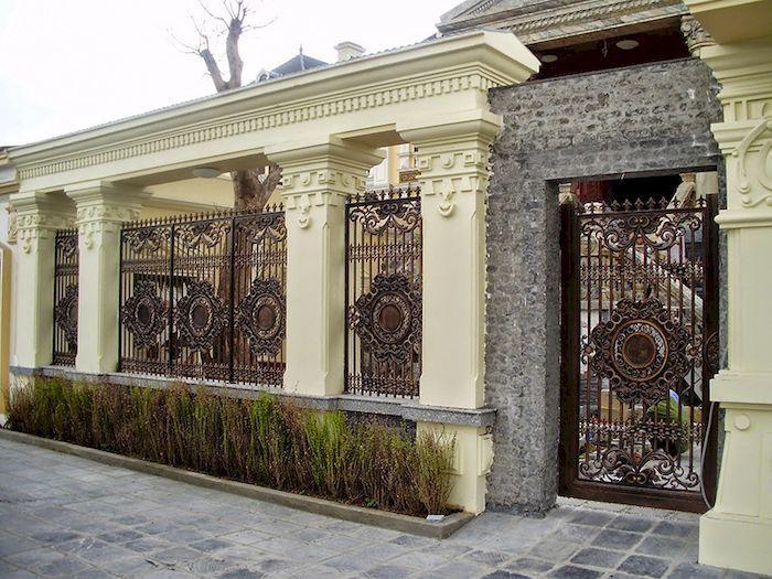 Hàng rào biệt thự bằng kim loại - Mẫu 2