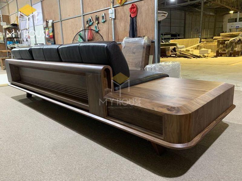Sofa gỗ óc chó - Hình chụp tại xưởng 4