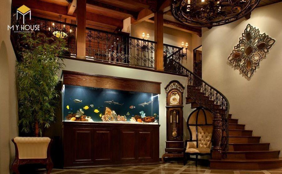 Trang trí gầm cầu thang bằng bể cá