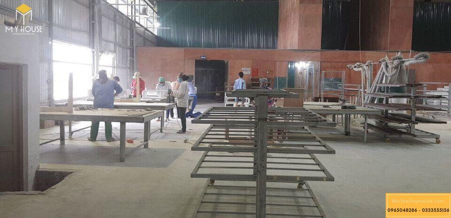 Hình ảnh xưởng sản xuất nội thất gỗ veneer óc chó - Mẫu 2