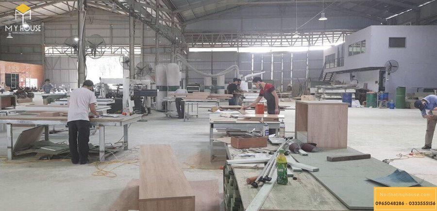 Hình ảnh xưởng sản xuất nội thất gỗ veneer óc chó - Mẫu 3
