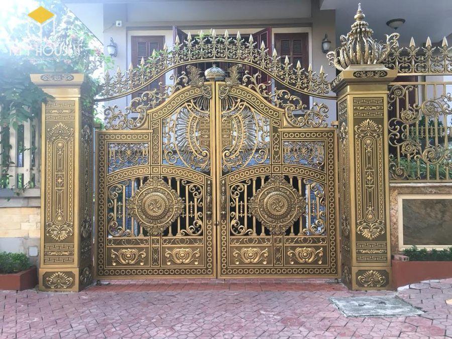 Thiết kế cổng biệt thự lâu đài nguyên khối