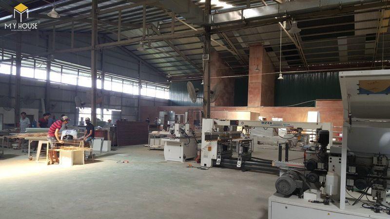Hình ảnh xưởng sản xuất bàn ghế hội trường - View 2