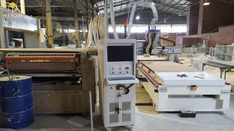Hình ảnh xưởng sản xuất bàn ghế hội trường - View 3