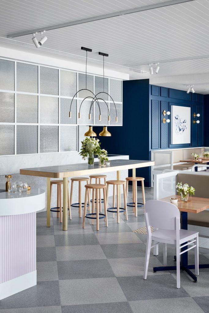 Thiết kế nội thất quán cafe hiện đại tinh tế - View 6