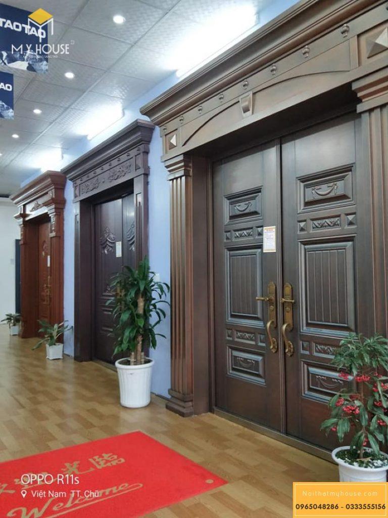 Lưu ý khi thiết kế cửa gỗ tân cổ điển
