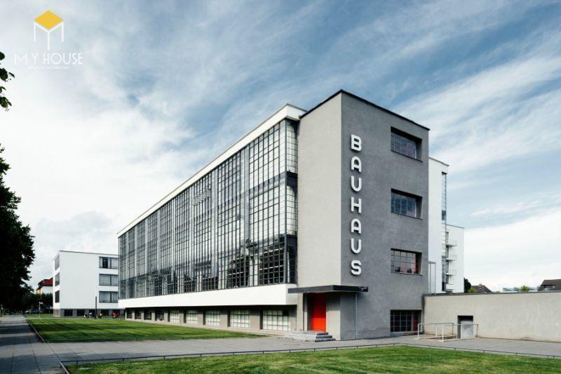 Bauhaus (Bauhaus phiên âm từ tiếng Đức) nguyên là tên trường Đại học công nghệ mỹ thuật Bauhaus