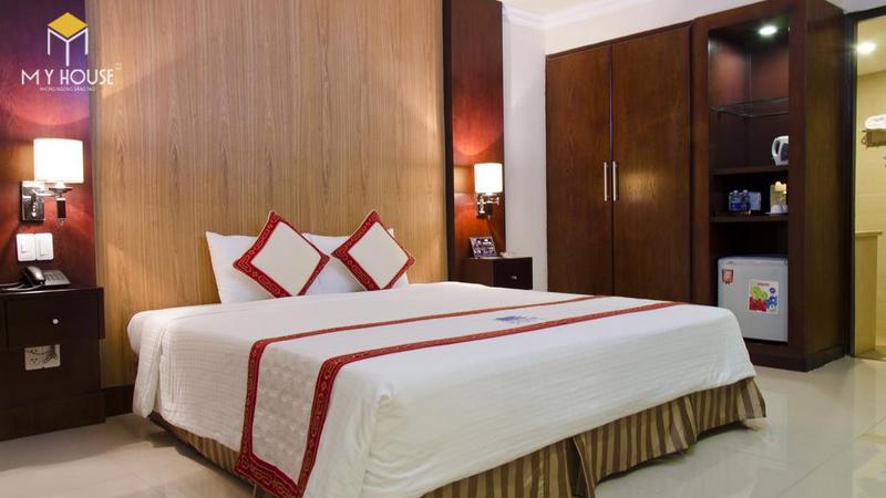 Giường ngủ khách sạn đẹp sang trọng - M1
