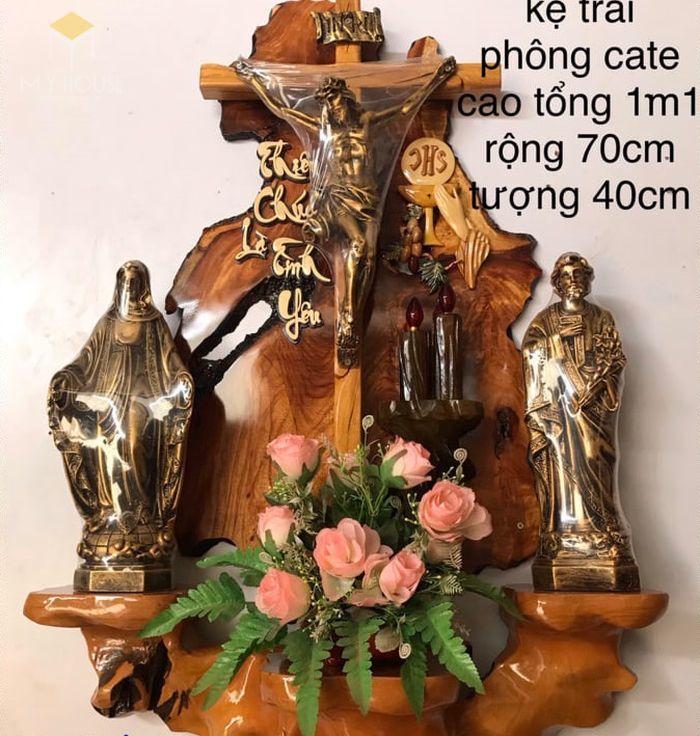 Mẫu thiết kế bàn thờ thiên chúa đẹp ấn tượng bằng gỗ tự nhiên - M6