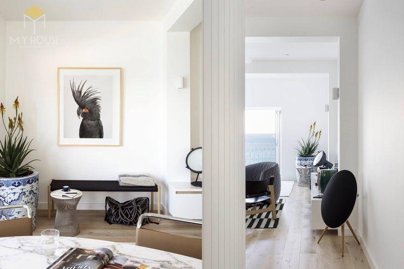 Xây nhà theo phong cách tối giản thì nội thất sẽ được loại bỏ những thứ không cần thiết trong một không gian
