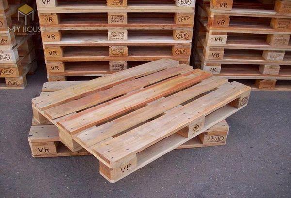 Bàn ghế Handmade bằng gỗ Pallet