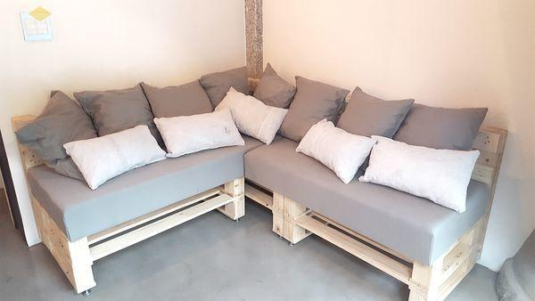 Bàn ghế Handmade bằng gỗ Pallet bọc đệm