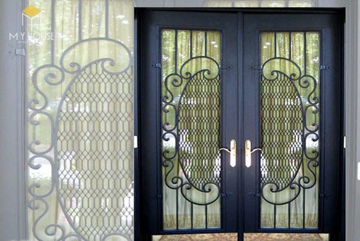 Song chắn cửa sổ sắt với nhiều hoa văn ấn tượng - M5