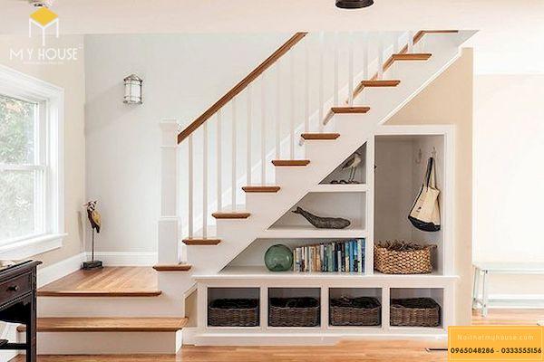 Với những cầu thang có gầm nhỏ thì những ô để đồ tiện lợi thế này là lựa chọn không thể bỏ qua