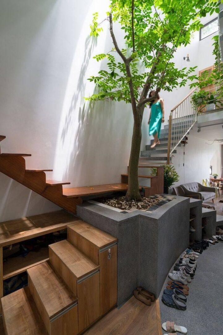 Thiết kế giếng trời trên cầu thang lấy ánh sáng
