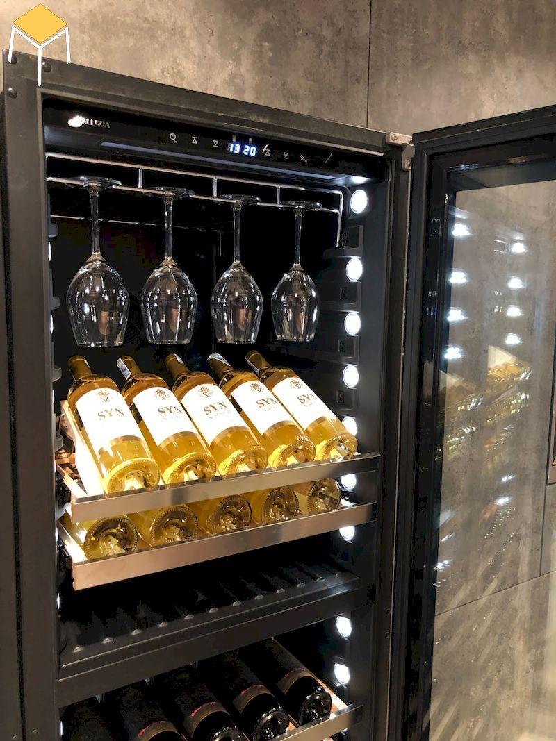 Tủ rượu âm tường bảo quản rượu tốt hơn