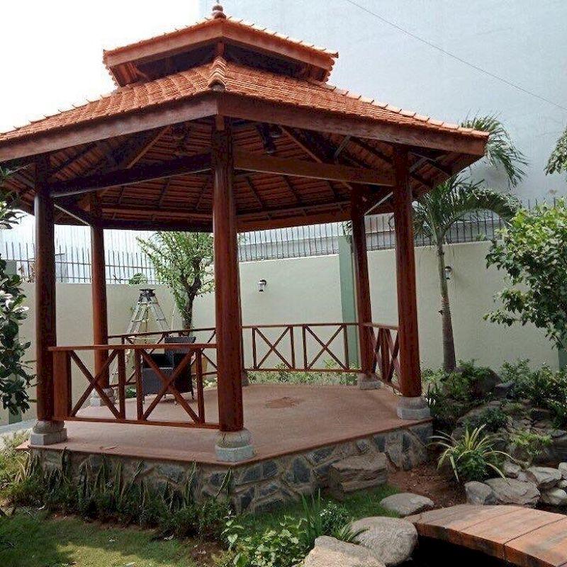 Nhà lục giác bằng gỗ phổ biến tại các biệt thự sân vườn