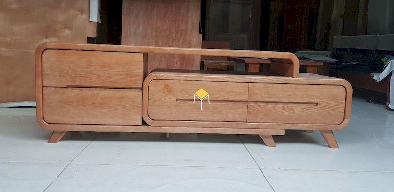 Kệ tivi nguyên khối gỗ óc chó