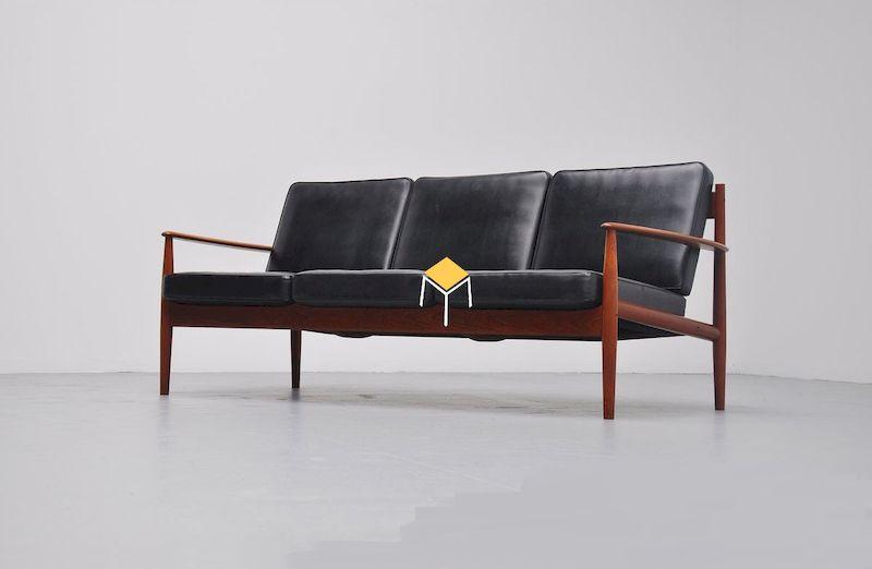 Ghế sofa phong cách vintage chất liệu da
