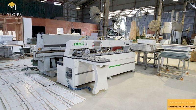 Máy móc hiện đại sản xuất nội thất