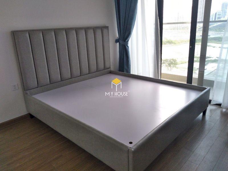 Lắp đặt giường ngủ bọc nỉ đơn giản tại chung cư