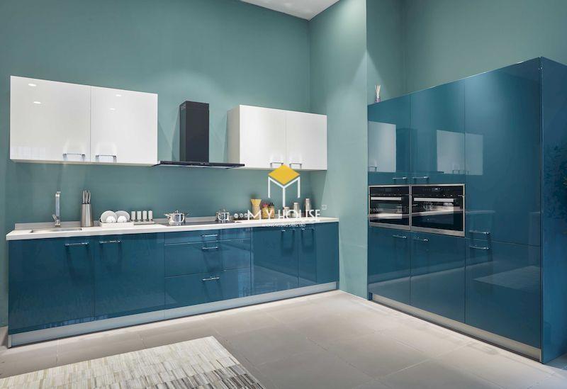 Mẫu tủ bếp gỗ công nghiệp phủ acrylic màu xanh