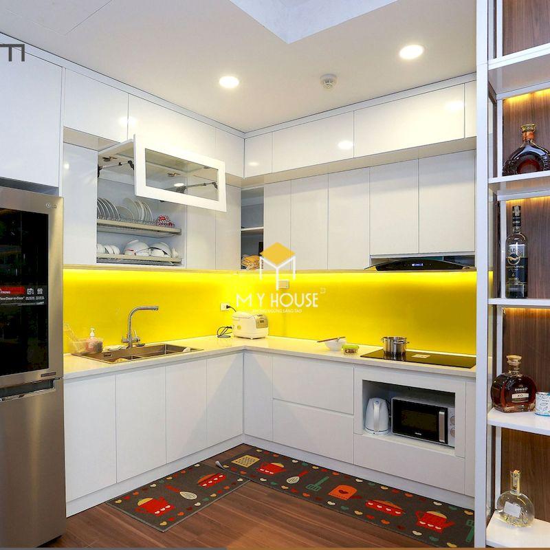 Màu trắng cũng dễ dàng kết hợp với các màu sắc vàng, cam, đỏ, xanh để tạo nên điểm nhấn về màu sắc