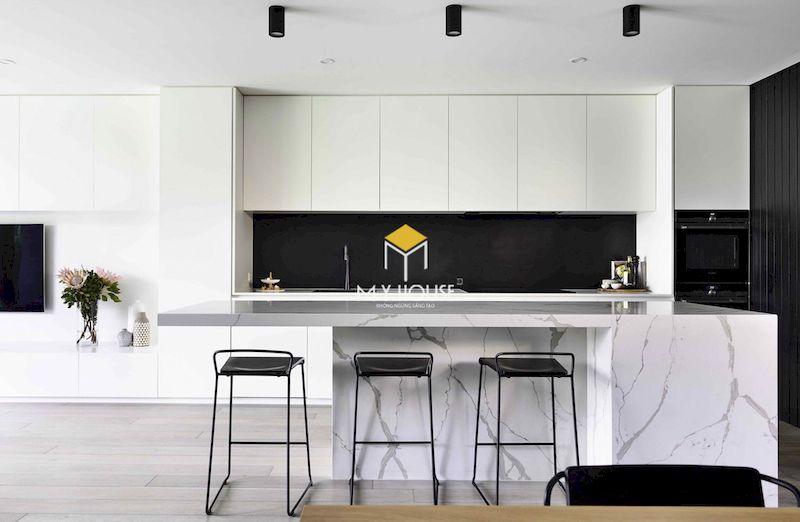 Tủ bếp gỗ công nghiệp MDF lõi xanh sơn trắng