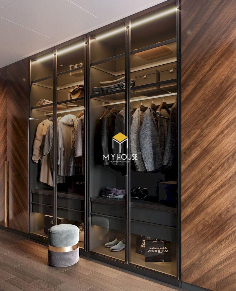 Tủ cánh kính cũng được lắp trong phòng thay đồ riêng của gia chủ