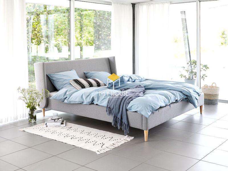 giường bọc nỉ chân gỗ sồi tự nhiên
