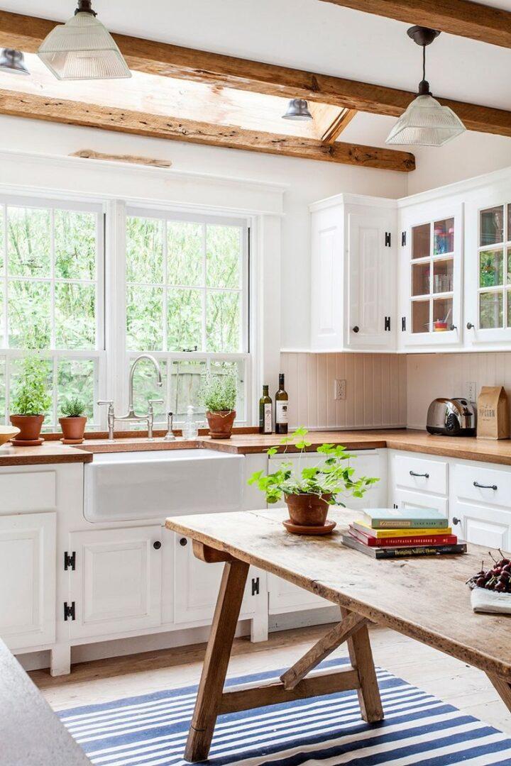 Mẫu phòng bếp có cửa sổ 01