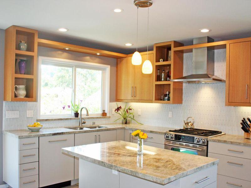 Mẫu phòng bếp có cửa sổ đẹp, ấm cúng mà gia đình nên sở hữu