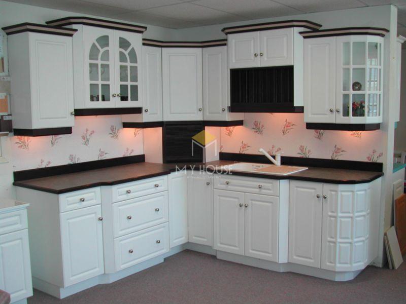 Nên lựa chọn mẫu thiết kế phù hợp với hình dáng và diện tích của bếp