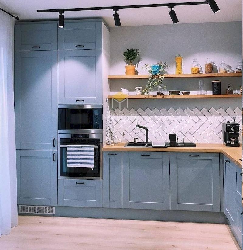 Tủ bếp tân cổ điển đơn giản màu xanh phù hợp với mọi phong cách nội thất