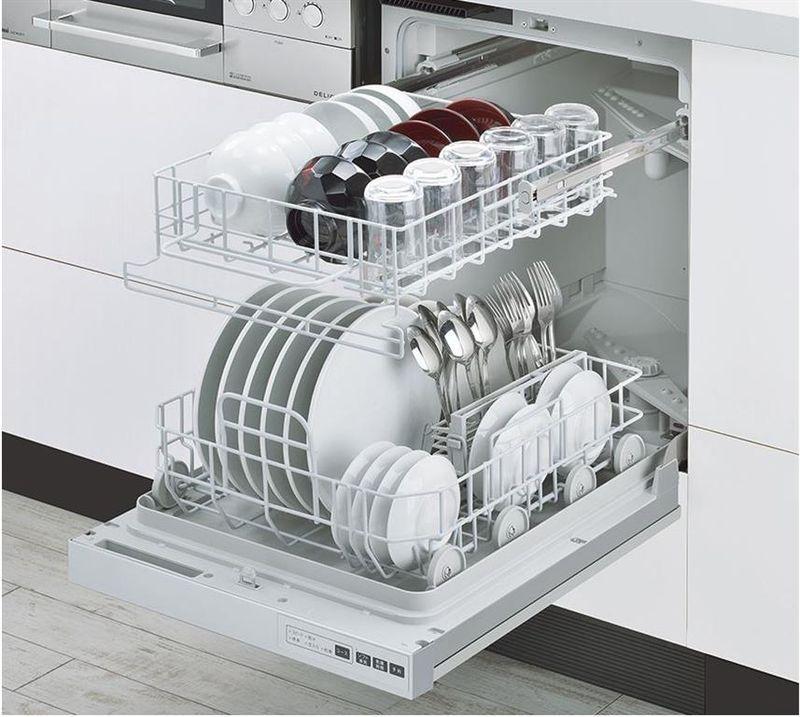 Mẫu tủ bếp có máy rửa bát 12