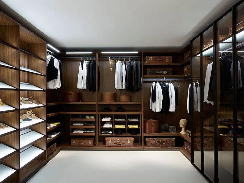 Sử dụng tủ quần áo không kính kết hợp cánh lùa để tiết kiệm diện tích phòng thay đồ