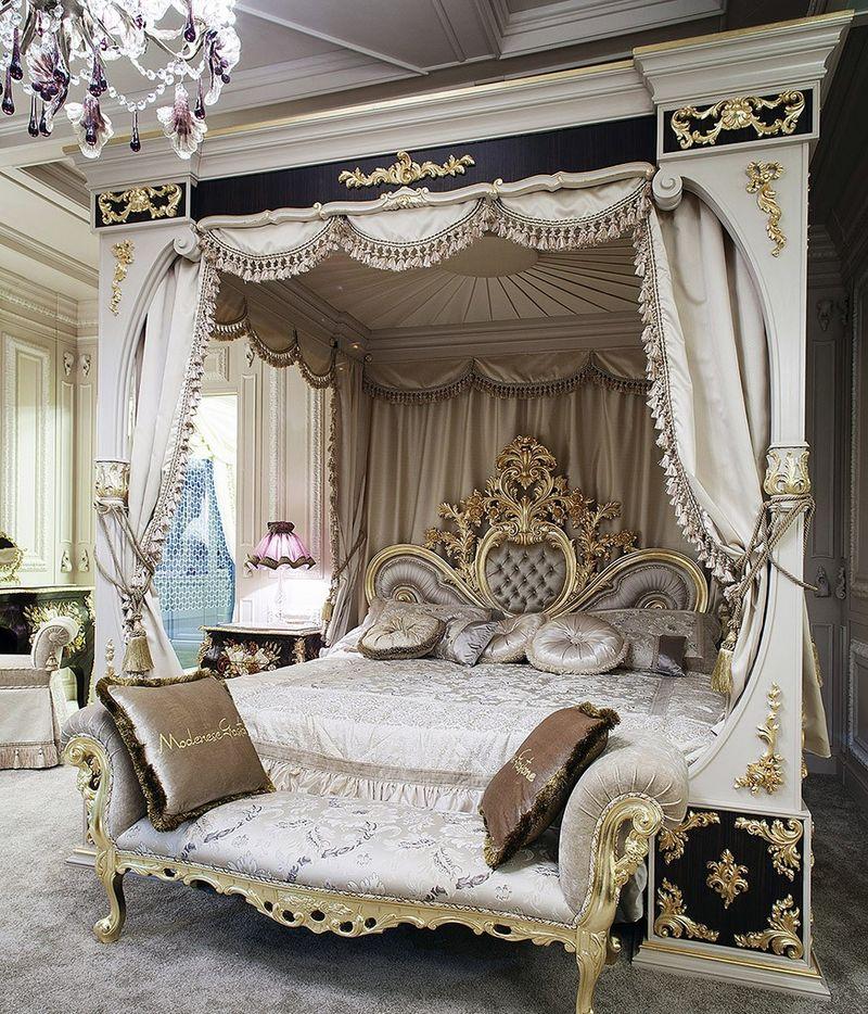 Giường ngủ hoàng gian ấn tượng, cao cấp