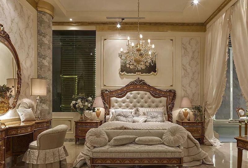 Phòng ngủ phong cách hoàng gia sử dụng chất liệu cao cấp, hoa văn tinh tế cùng các đường nét quyến rũ