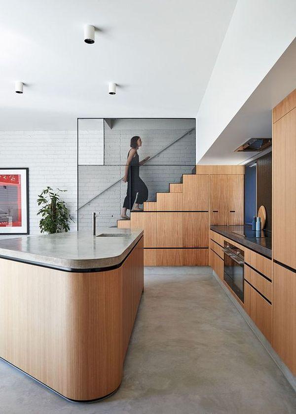 Thiết kế bếp gần cầu thang - chọn hướng bếp