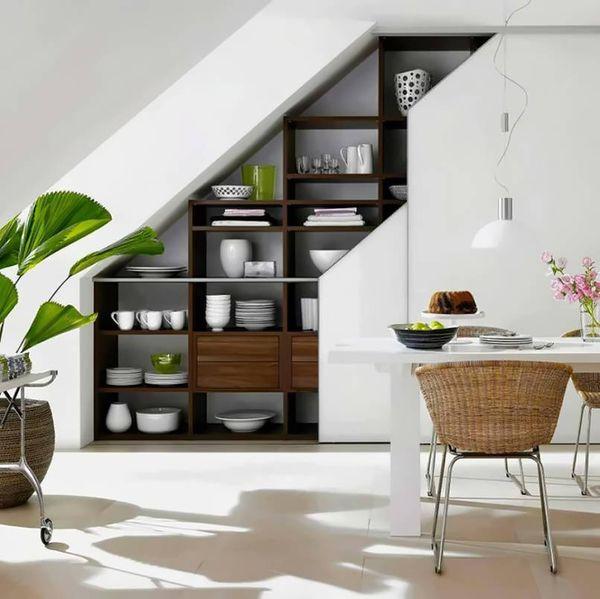Thiết kế bếp gần cầu thang - yếu tố ánh sáng