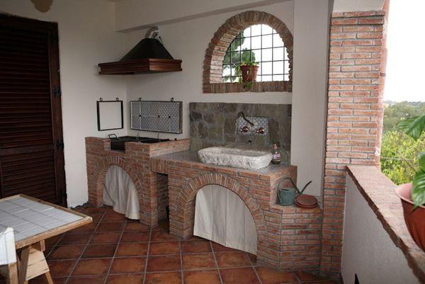 Thiết kế bếp ngoài ban công phong cách châu Âu