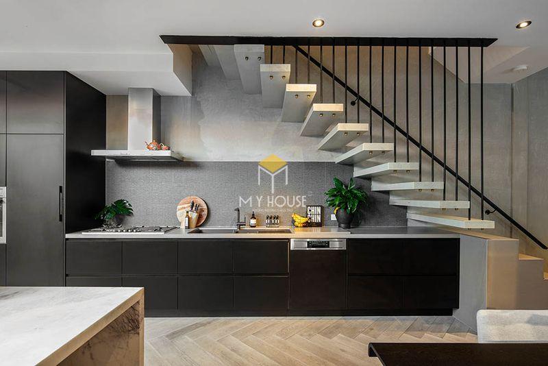 Thiết kế tủ bếp thông minh tận dụng vị trí gầm cầu thang