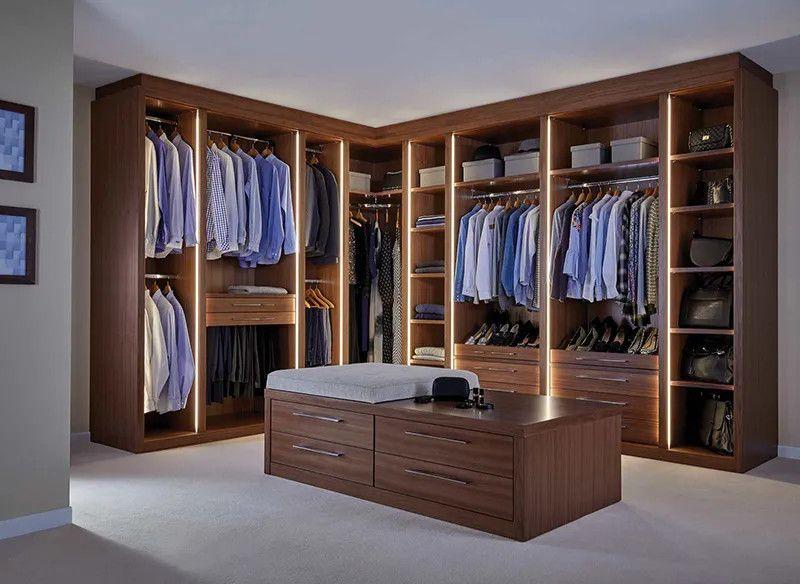 Mẫu tủ quần áo trong phòng ngủ nam